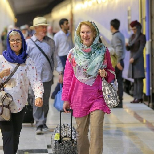 Traveling To Iran; Group Tour, Private Tour Or Independent